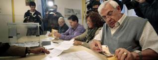 Algunas mesas tuvieron a veces más interventores que votantes.