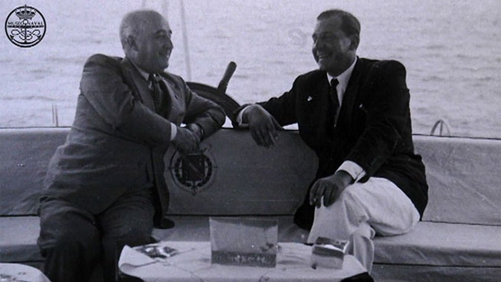 Reunión en yate entre el dictador Francisco Franco y Juan de Borbón