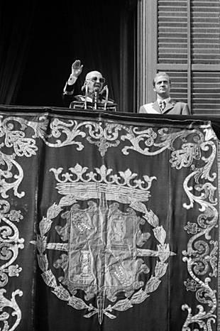 Franco y Juan Carlos - Monarquía del Movimiento 3