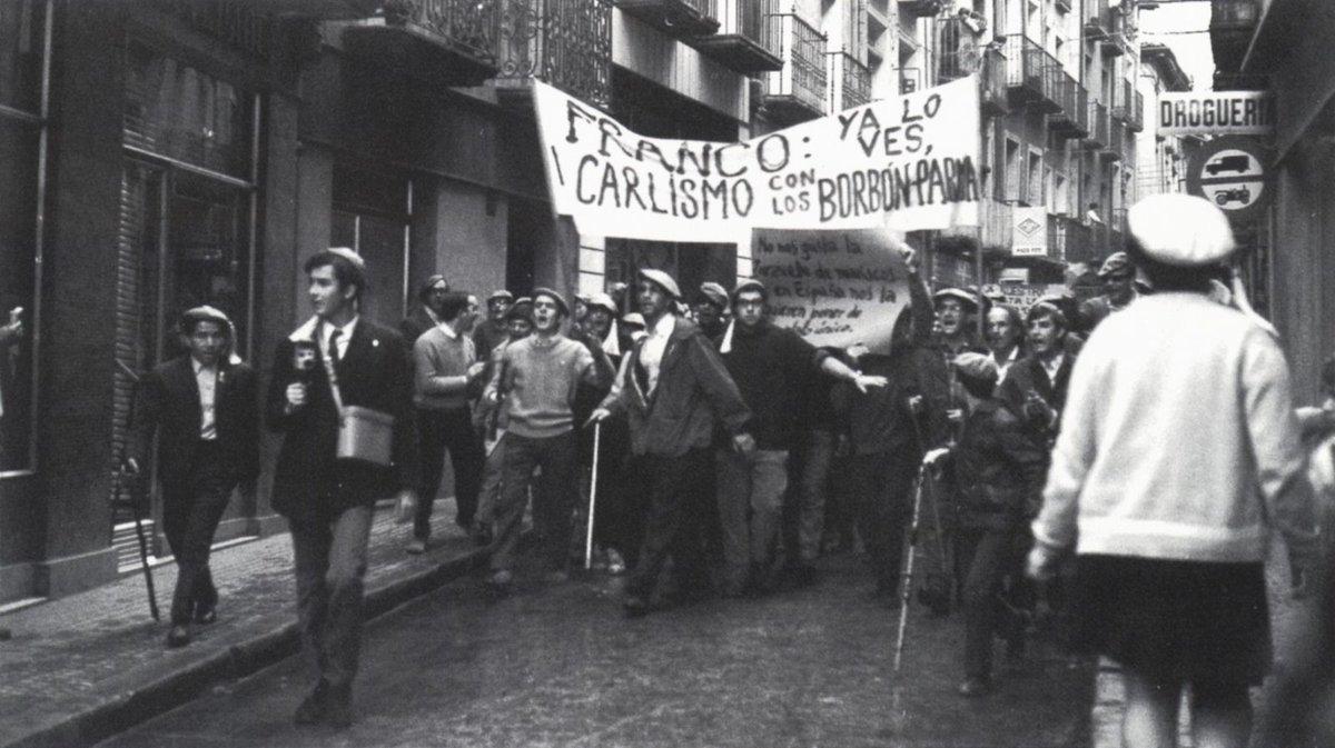 Manifestación carlista contra la monarquía de los borbones