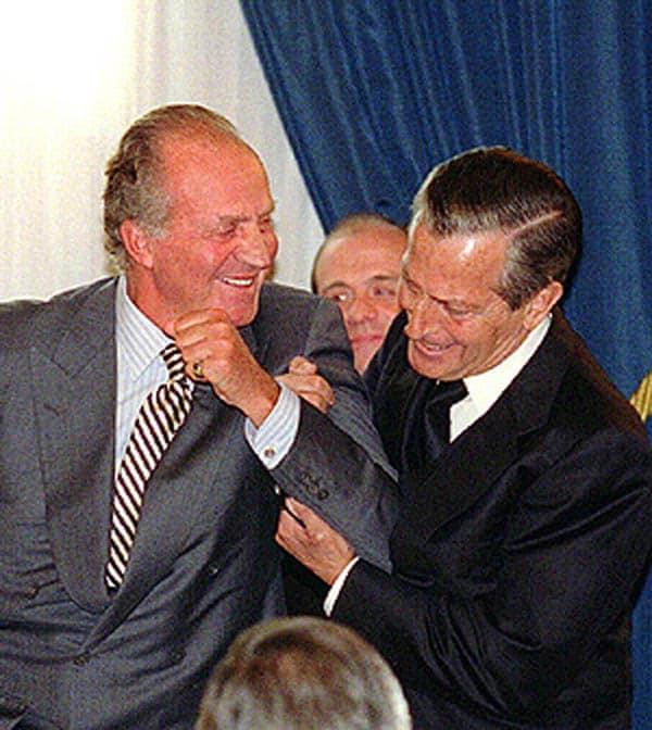 Juan Carlos y Suárez bromeando