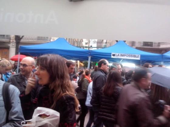 Ambiente en la Rambla el día de San Jordi